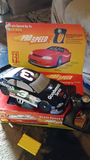 Pro speed Dale Earnhardt #3 professional r/c car 240 scale mph speed 100 foot range very fast hate to get rid of it but got to for Sale in Edgar Springs, MO