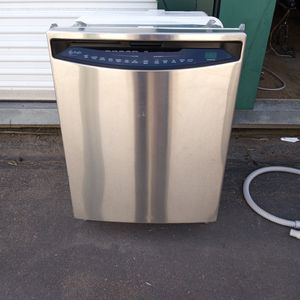 GE PROFILE STAINLESS DISHWASHER LIKE NEW for Sale in Golden, CO
