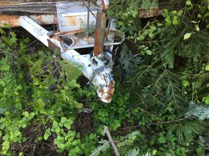 Free trailer- no title - must bring flat bed for Sale in Leavenworth, WA