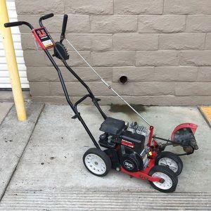 Yard machines 3.5 briggs & stratton edger for Sale in San Pedro, CA