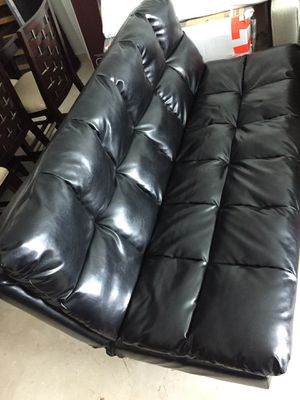Black Leather Futon. CHEAP!!! for Sale in Miami, FL