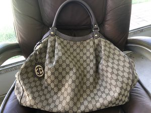 GUCCI GG Canvas Sukey Large Tote for Sale in Phoenix, AZ
