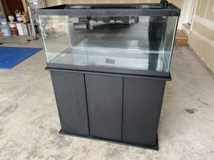 40 gallon drilled tank with synergy ghost overflow, stand ale Sicce Syncra Silent 3.0 return pump for Sale in Tacoma, WA