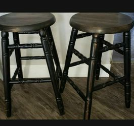 REFERBISHED AND WAXED 2 BARSTOOLS 2FT TALL for Sale in Visalia,  CA