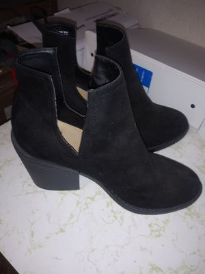 Heel boots for Sale in Roseville, MI