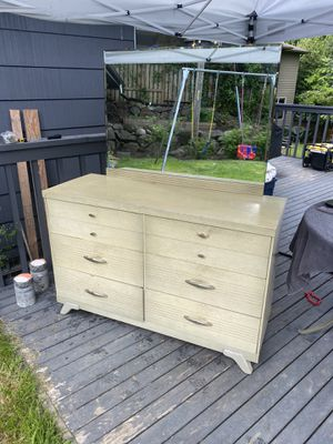 Antique Dresser and mirror for Sale in Seattle, WA