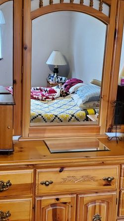 Bedroom Furniture Set for Sale in Puyallup,  WA
