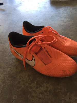 Nike Phantom Soccer Cleats Size Youth Size 3 for Sale in Poway, CA