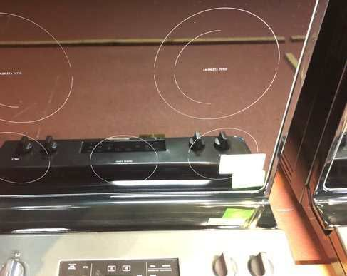 Whirlpool Electric Stove (Model:WFE525S0HV) 8I3OA
