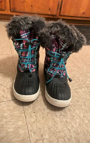 Snow boot for girl size 2 for Sale in Durham, NC