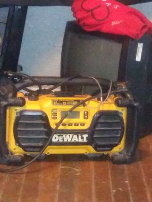 Dewalt speaker and u can charge you power drill and charge your phone on it for Sale in Beaumont, TX