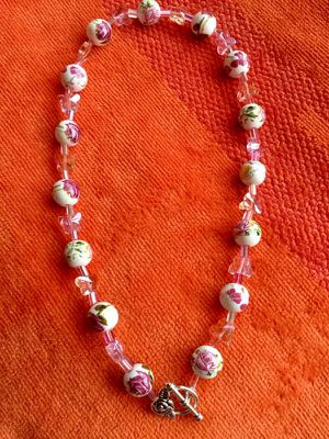 Pretty ROSE beads necklace 🌿🌹🌿Crystal butterflies 🦋 Fashion jewelry for Sale in Alexandria, VA