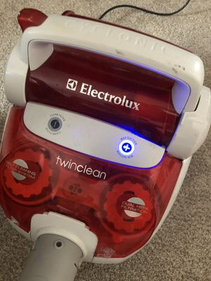 Electrolux vacuum cleaner for Sale in Lewisville, TX