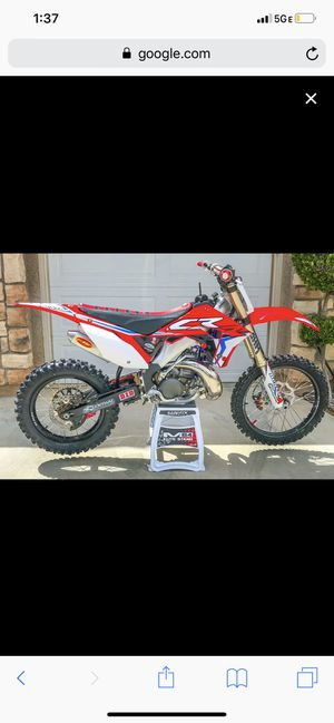 Parting out my O2 CR 250 motor cases and everything are good just blew the topend for Sale in Beaverton, OR