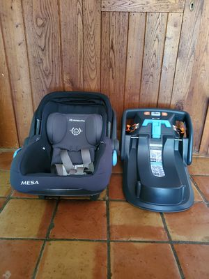 UPPABaby MESA car seat and base for Sale in Newtown, CT