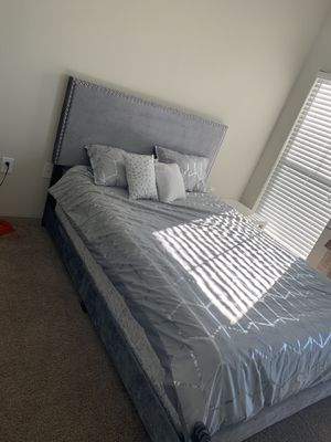 Beautiful queen bed for Sale in McKinney, TX