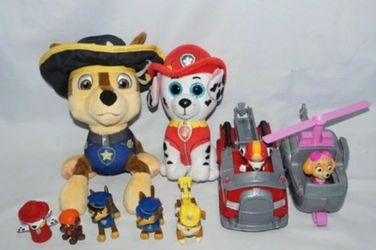 Paw Patrol Toys Lot 11 Pcs 2 Plushies, 2 Vehicles & 7 Figures for Sale in Seattle,  WA