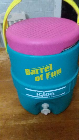 Igloo brand water cooler for Sale in Cleveland, OH