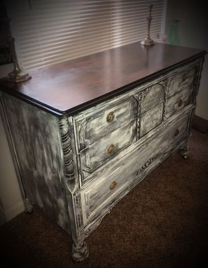 Gorgeous Jacobean Dresser & Mirror for Sale in Brandon, FL