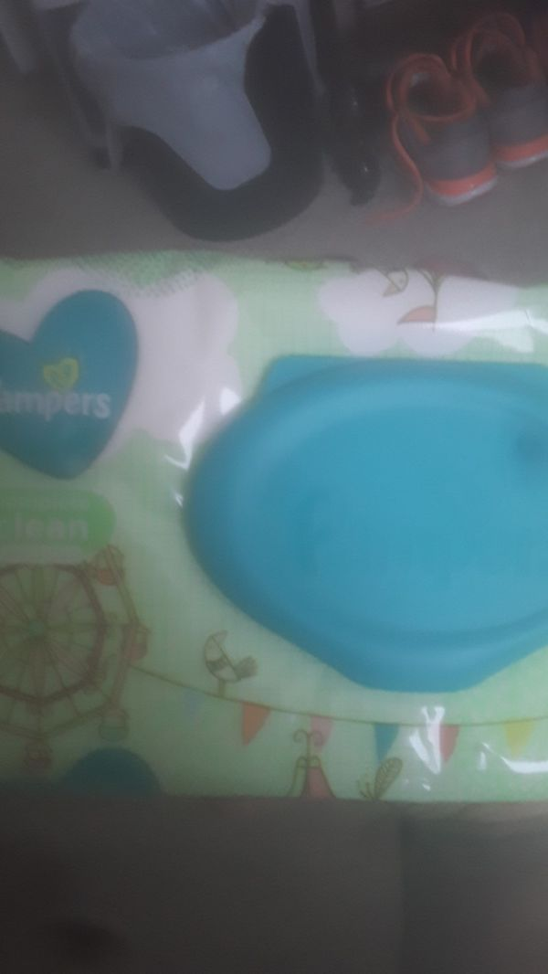 Pampers swaddlers & wipes