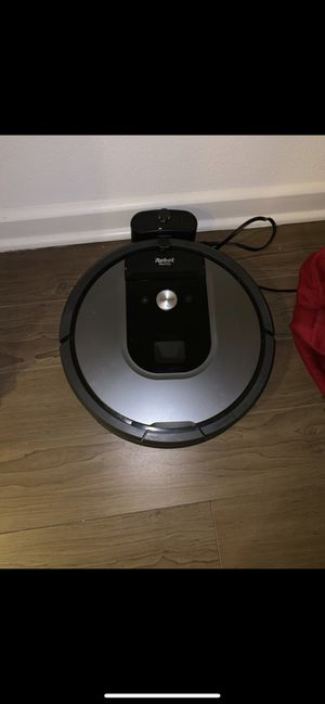 Irobot vacuum wifi connected last generation like new for Sale in Irvine, CA