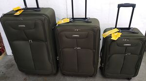 ACTIVE TRAVELER GREEN LUGGAGES SET $100.00 BRAND NEW 4 WHEELS LIGHT WEIGHT EXPANDER SYSTEM for Sale in HALNDLE BCH, FL
