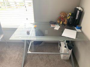 Glass computer desk for Sale in Altamonte Springs, FL