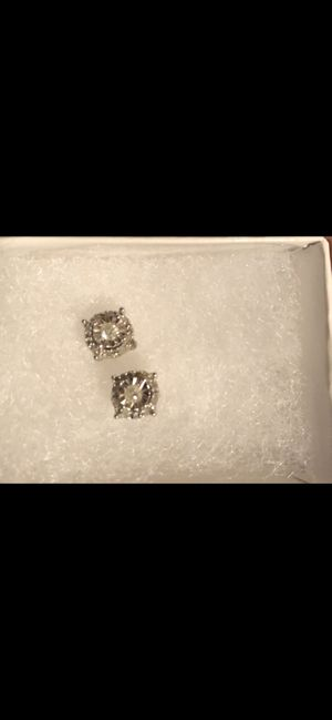 Real diamond earrings for Sale in Burleson, TX