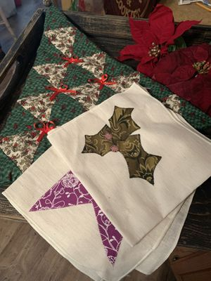 Holiday Tree Hanging and Napkins for Sale in Bellevue, MI