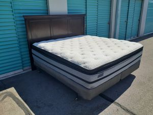 Nice King Bed with Beautiful 0ak Headboard and Quality Pillow Top Mattress Set for Sale in Las Vegas, NV