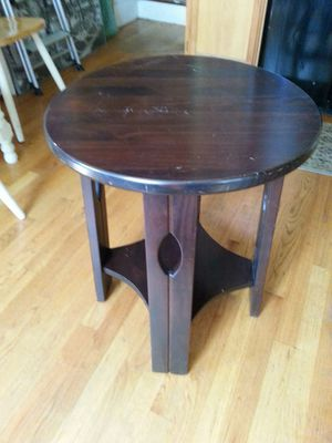 Wood craftsman side table for Sale in Cleveland, OH