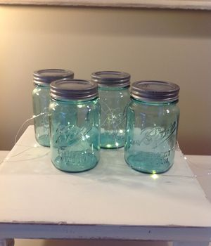 4 BLUE BALL VINTAGE STYLE GLASS MASON JARS for Sale in Thousand Oaks, CA