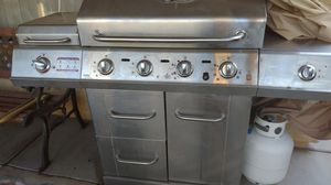 ChardBroild BBQ Grill. With side burner Infrared for Sale in Las Vegas, NV