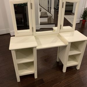 Pottery Barn Kids Vanity for Sale in Gambrills, MD