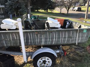 14ft flat bottom aluminum with trailer and 2 motors for Sale in Ruston, WA