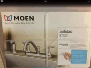 Kitchen faucet, MOEN, brand new. 60$ , pick up only. for Sale in Port St. Lucie, FL