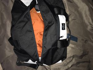 HOLLISTER DUFFLE BAG for Sale in Riverview, FL