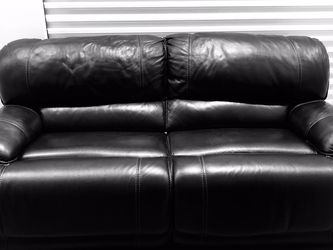 Havertys Maddox Black Leather Sofa for Sale in Kissimmee,  FL