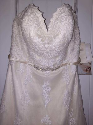 Wedding dress for Sale in Duncan, SC