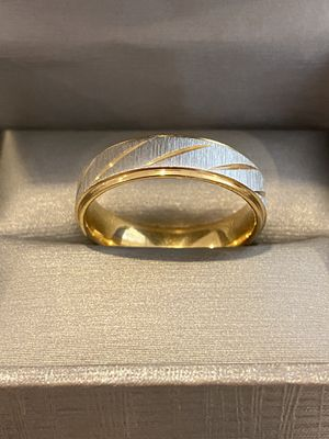 Unisex— 18K Gold plated Ring—yellow/silver for Sale in Houston, TX