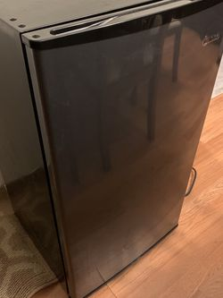 Mini - Refrigerator for Sale in Streamwood,  IL