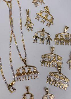 Cadena y colgante de niños oro laminado italiano garantizado/Italian gold plated chain and pendant for Sale in Sylmar,  CA