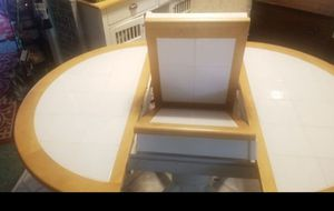 Country style Kitchen table and 5 chairs for Sale in Maple Valley, WA