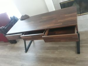 writing Desk w/3Drawers&usb+power outlet for Sale in Riverside, CA