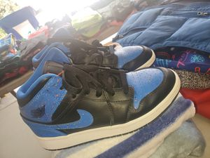 Air Jordan 1 mid royal paint splatter for Sale in Thornton, CO
