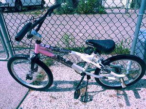 Mongoose girls Trick Bike! NICE!!!! for Sale in Philadelphia, PA