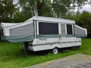 2001 Flagstaff pop up trailer very clean in and out for Sale in Milwaukee, WI