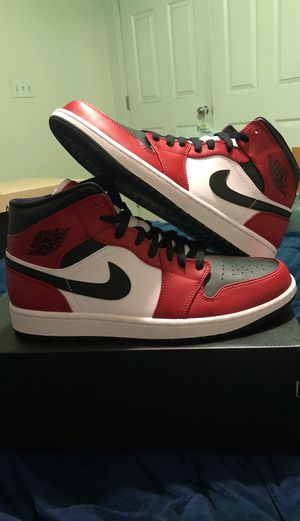 Jordan 1 mids Chicago Toe 10.5 for Sale in Las Vegas, NV
