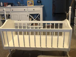 Cradle with mattress for Sale in Rogers, AR