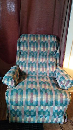 FREE RECLINER for Sale in Hanover, PA